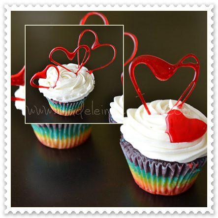 Cupcakes arcoiris, con corazones de isomalt