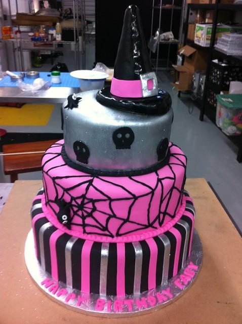 Cake Decorating Halloween Theme : photo