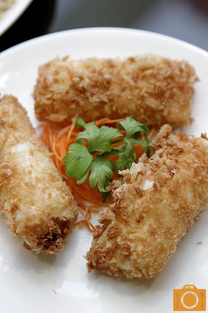 Phoenix Court Mango Seafood Roll Mayonaise
