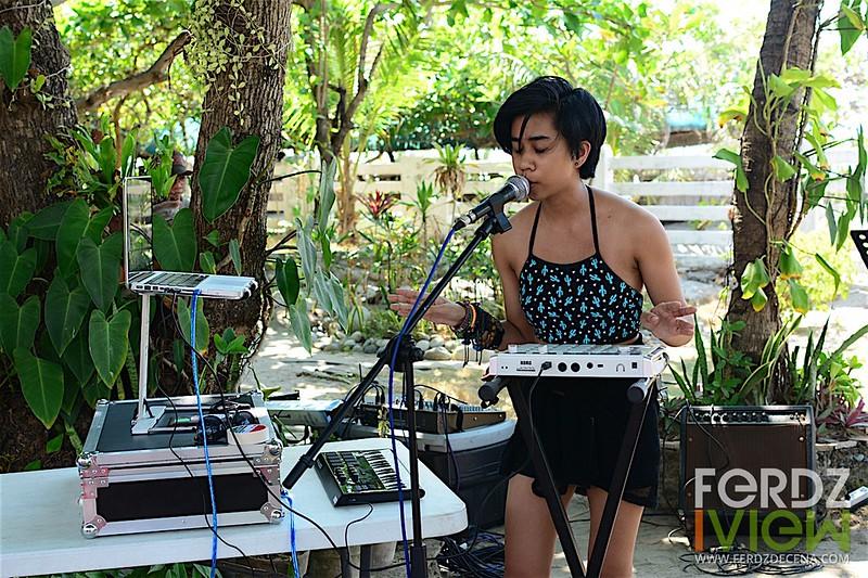 Enjoying the soothing electronic sound of Paula Mauricio