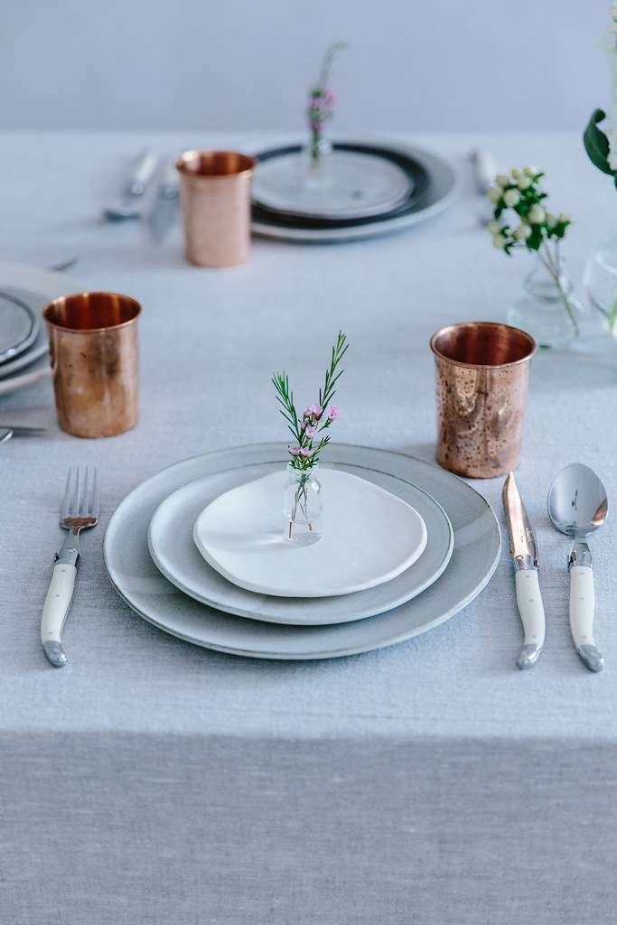 How to set a table for a dinner party