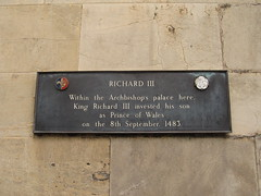 Photo of Richard III and Edward of Middleham bronze plaque