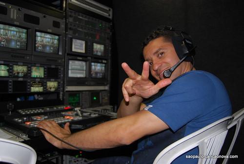 TV Canção Nova SP na Vigília de fevereiro/2012 by cancaonovasp