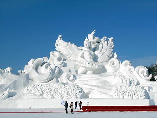 Giant snow sculpture (太阳岛国际雪雕艺术博览会)
