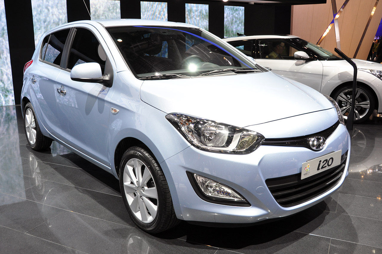 2013 hyundai i20 images pictures and videos. Black Bedroom Furniture Sets. Home Design Ideas