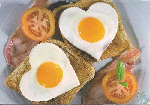 Heart Eggs & Toast