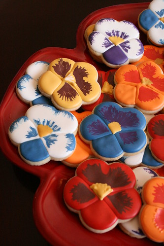 Pretty Pansy Cookies.