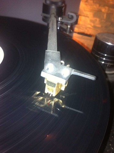 Goldring MC Gold an Revolver Replay Turntable