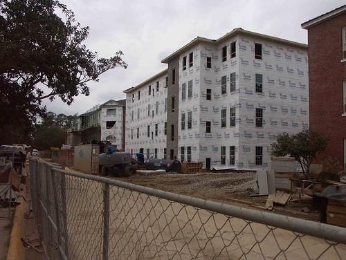 building2-3
