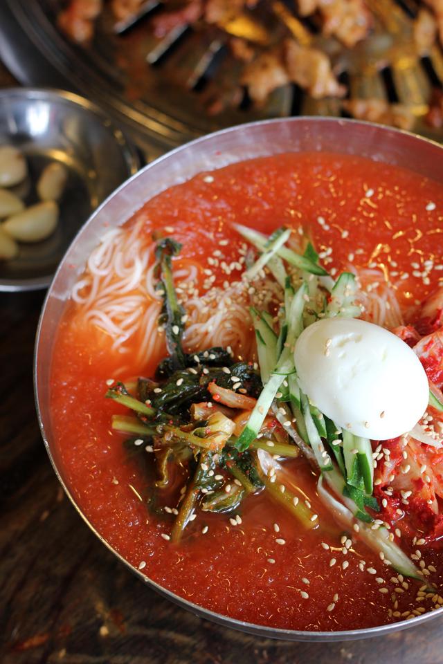 Bibim Naengmyeon (비빔 냉면)