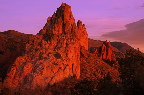 red sunrise colorado rocks gardenofthegods formation gog