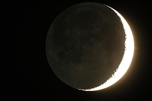 Earthshine on 3/25/12