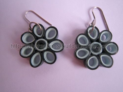 Handmade Jewelry - Paper Quilling Flower Earrings (Round Petals 1) - QF5 by fah2305
