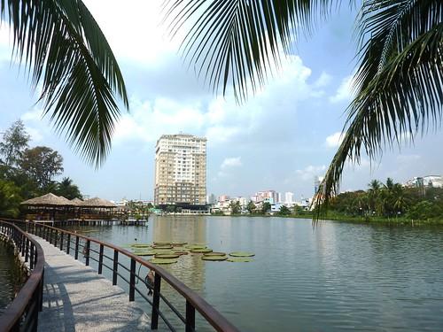 V 12-Ho Chi Minh-Parc--sculptures (1)