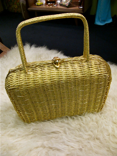 Tis-a-tasket, it's a Golden Basket! Ohhh..  1960s woven gold metallic wire basket style box purse. Lovely evening purse for your special occasions!