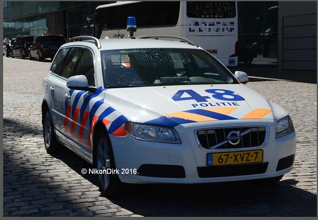 Dutch Police V70, 48.