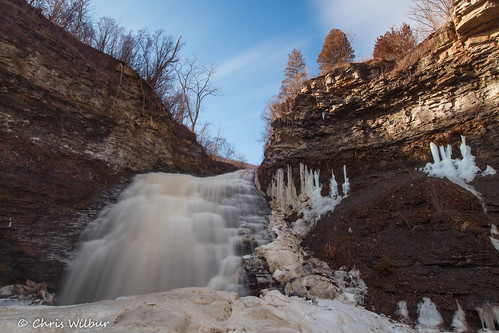 morning blue winter sky ice water waterfall long exposure niagara falls lincoln february escarpment rockway