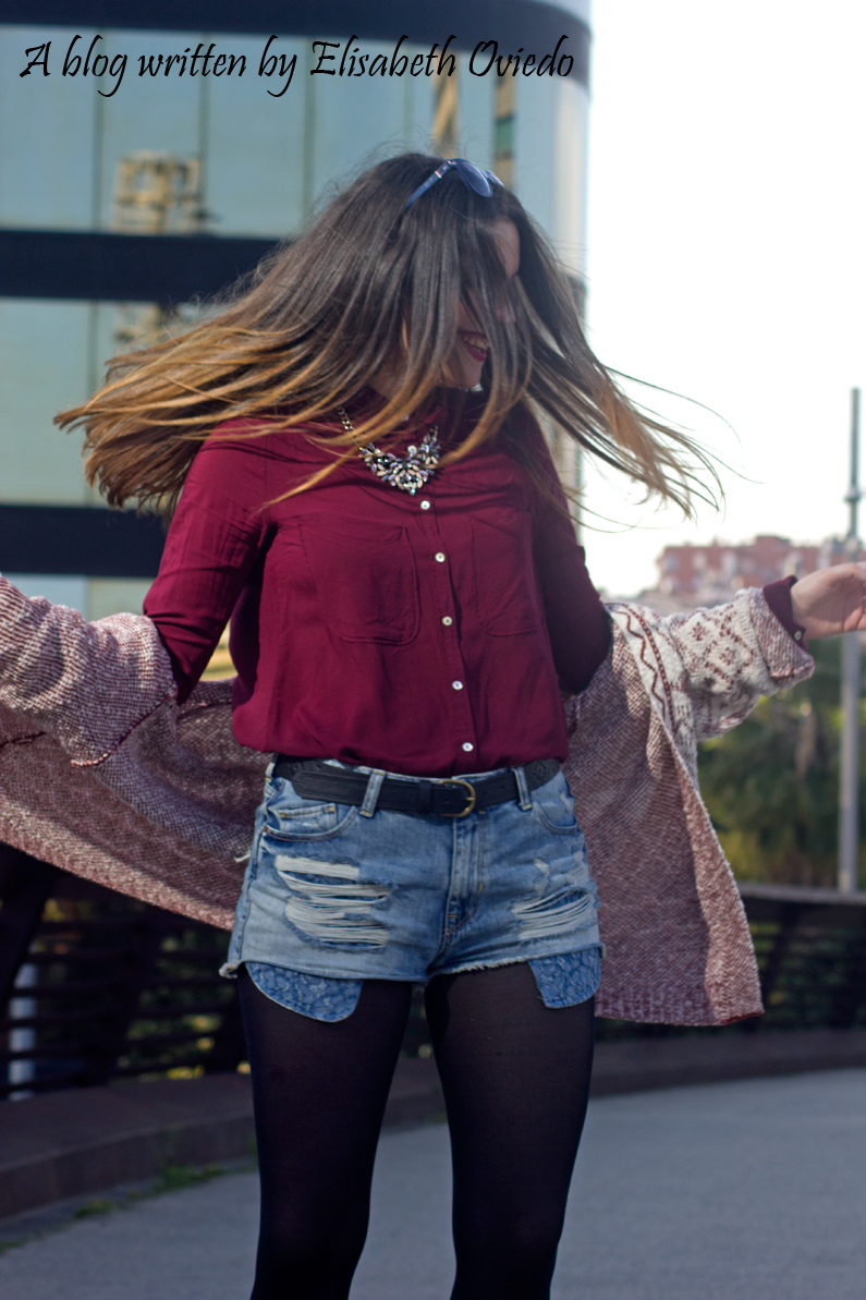 shorts denim camisa burgundy look HEELSANDROSES (6)