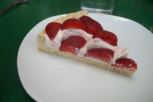 Pie de requesón y fresas
