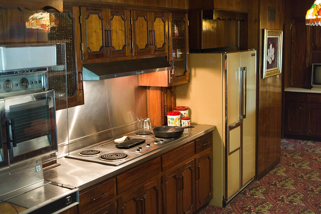 70s Style Kitchen Cabinets Of 04 Tha King 39 S Kitchen 70s Style Flickr Photo Sharing