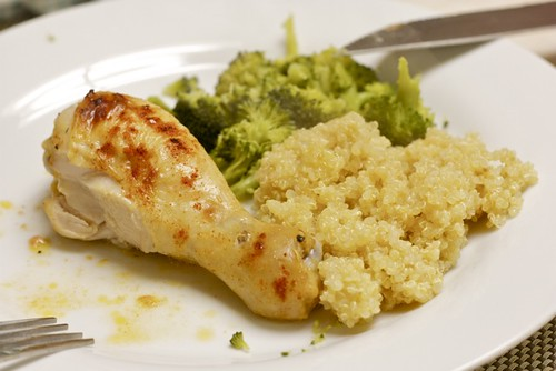Roast chicken with quinoa and broccoli