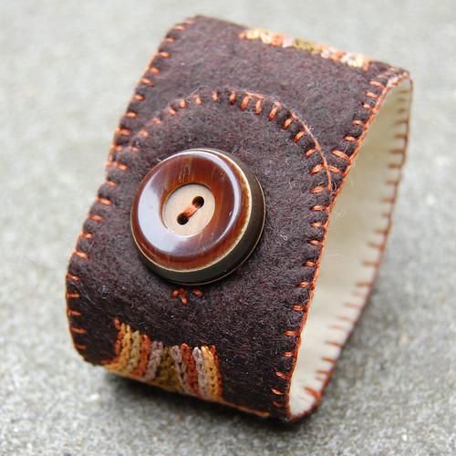 felt cuff 'wood' [#5]