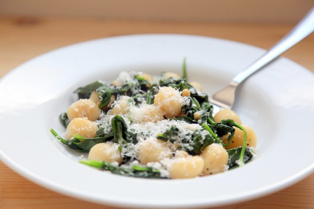 Brown Butter Gnocchi with Spinach and PineNuts 1