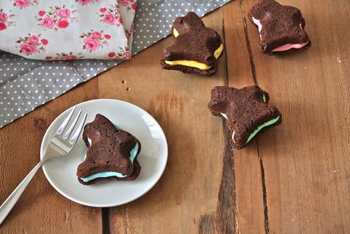 Chocolate whoopie pies a forma di coniglietto.. per Pasqua!