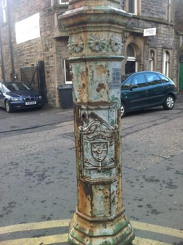 Rusty Lamppost Casselbank Street, Leith