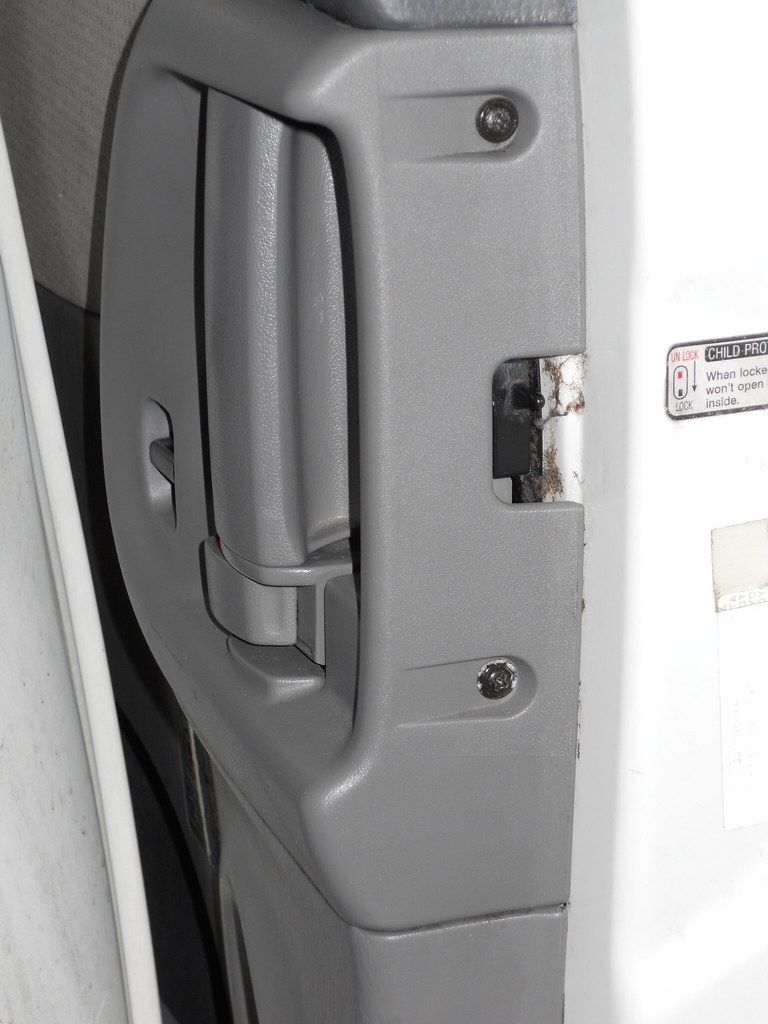 Drivers Side Sliding Door Lock Actuator Page 3 Toyota Sienna