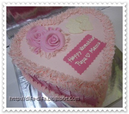 Love cake  by DiFa Cakes