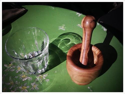 Το νέο μου απόκτημα: χειροποίητο ξύλινο γουδί.