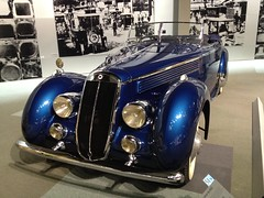automobile, vehicle, automotive design, bugatti type 57, antique car, vintage car, land vehicle, luxury vehicle, sports car,
