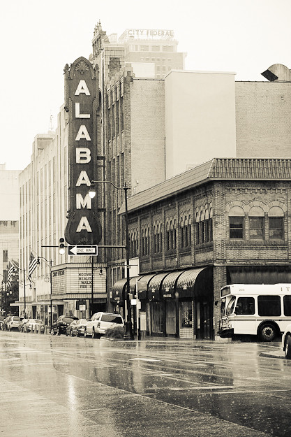 alabama theatre in the rain, birmingham