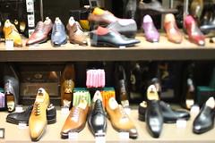 shopping(0.0), shoe store(1.0), footwear(1.0), shoe(1.0),
