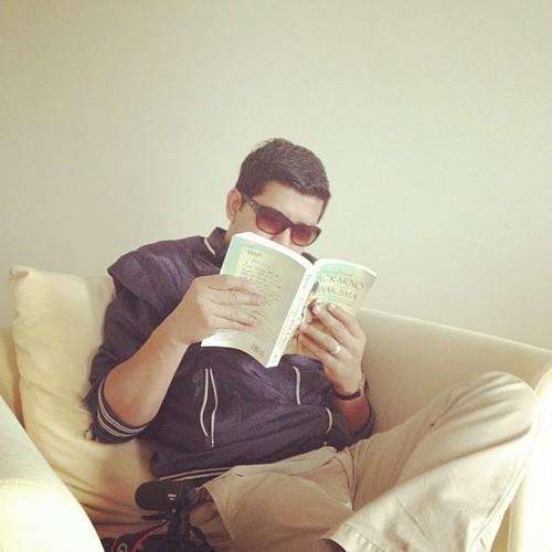 Baca novel ke, bro? Hahaha