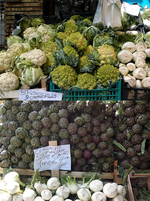 Italia mercato carciofi