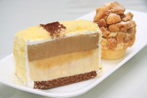 Durian Cappuccino Cake & Durian Macadamia Nut Crumble Tartlet
