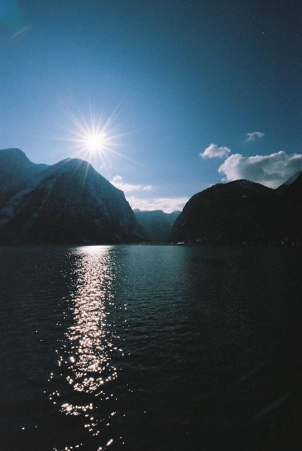 哈修塔特湖