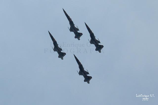 Aviones F5 - Escuadrón Aéreo 401 - Desfile del 5 de Mayo  - 150 Aniversario de la Batalla - Puebla - México