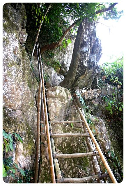 muang ngoi neua entrance to the cave