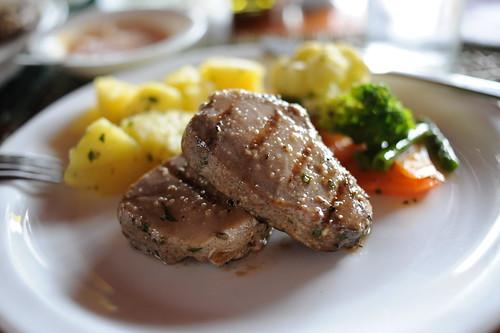 魚のステーキ