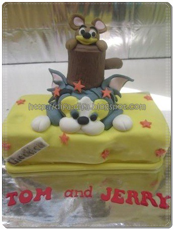tom n jerry cake by DiFa Cakes
