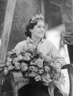 Woman at opening of Snoqualmie Ski Park, 1934