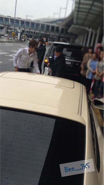 [Pics-2] JKS returned from Beijing to Seoul_20140427 14035142505_cb911dc506_z