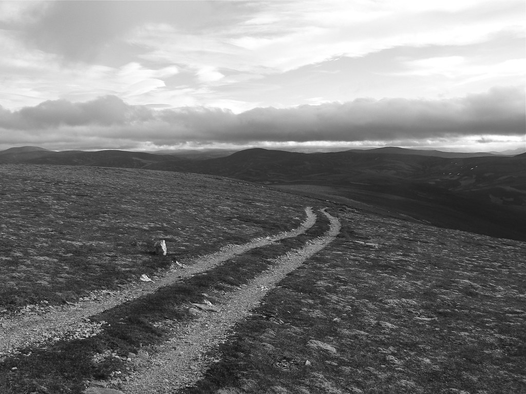 The vehicle track down Carn Ealasaid
