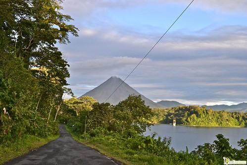 arenal volcano la fortuna town costa rica