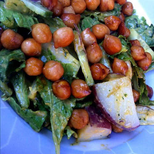Ranch salad w/red potatoes & smoky chickpeas