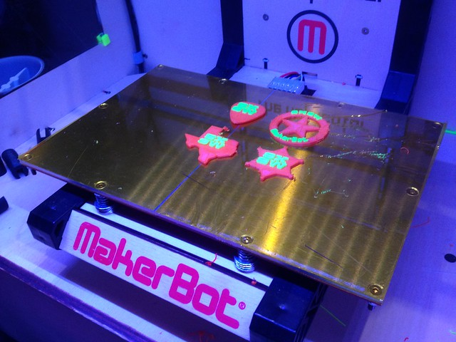 Printing awesome @makerbot SXSW treats inside an Irish Pub