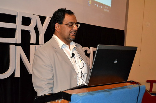 Library for the Digital Age; Mr. Muhammad Asif, Director AIRC delivers a workshop on e-Library USA at Hajvery University (HU)
